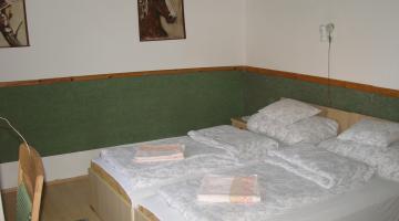 Kis szoba (thumb)