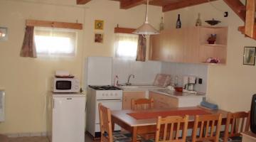 Nagy kétszobás apartman konyha (thumb)