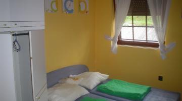 sárga apartman (thumb)