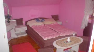 Pink erkélyes apartman (thumb)